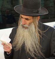 JEWISH MAN UNSHAVED BEARD